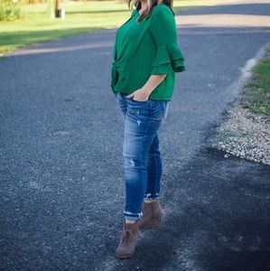 BRAND NEW Kelly Green Top